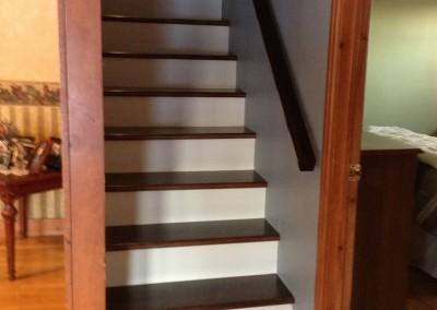 Hardwood staircasing