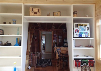 Cottage bookcasing